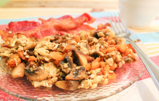 Mushroom Garlic Breakfast Scramble (THM S)