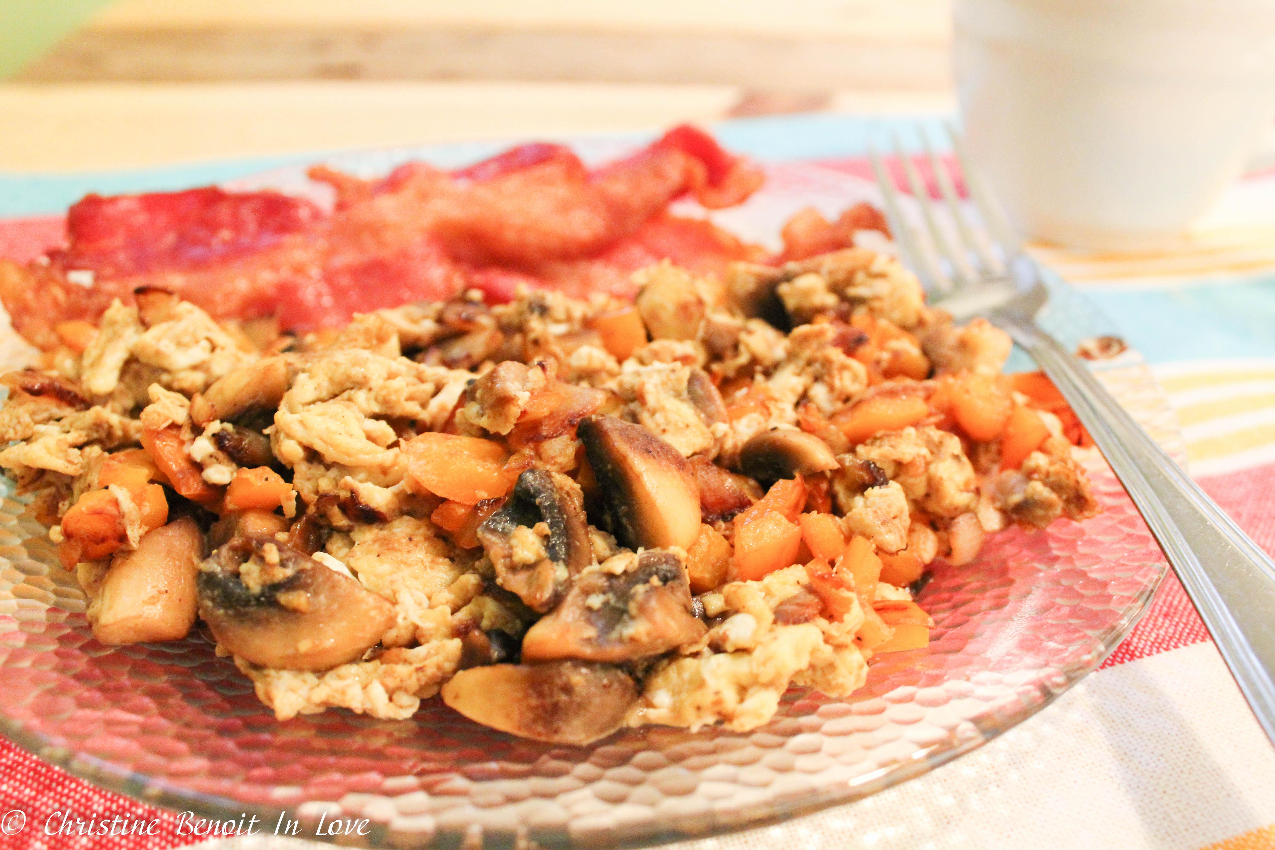 Mushroom Garlic Breakfast Scramble (THM S)